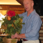 Program Presenter David Benefield of Ann's Porch, Columbus, GA demonstrates easy ideas for decorating for the holidays